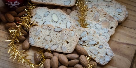 countryhorizons_almondbreadsliced