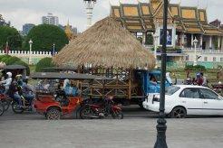 countryhorizons_cambodia_busystreet_house