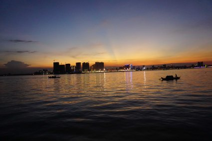 countryhorizons_cambodia_nightcityskylinewithsunset