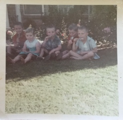 countryhorizons_backyardfun_cousins_griffith1970