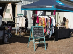 countryhorizons_redcrossday_stall2